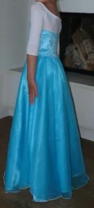 Meine Tochter im Eiskönigin-Kostüm
