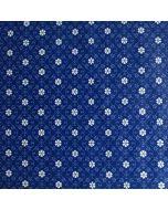 Schöner Lycra / Badelycra Stoff in blau mit weissen, klassischen, Jugendstil-ähnlichen Blumenmuster bedruckt. Perfekt für elegante Badeanzüge, Bikinis, Tankinis oder Sportbekleidung.