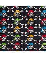 Lässiger Baumwollstoff in schwarz mit buntem Piraten-Totenkopf Muster. Die Totenköpfe sind mittelgross, der Stoff ist perfekt für Bekleidung und Accessoires.