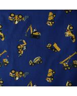 Weicher, bielastischer Jersey Stoff aus Baumwolle in dunkelblau mit gelben Lastwagen-, Betonmischer- und Baggermuster.
