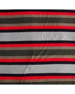 Weicher, sehr elastischer Sweat Stoff mit breiten Streifen in olivgrün, schwarz, rot und grau. Die Rückseite des Stoffes ist flauschig angeraut.