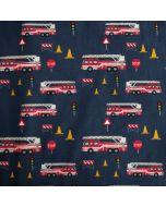 Jersey Stoff 'Feuerwehr' in dunkelblau für kleine Feuerwehr-Fans mit rotem Feuerwehrauto-Muster aus 95% Baumwolle und 5% Elastan.