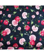 Jersey Stoff in dunkelblau mit Rosenmotiven in rosa und kräftigen Pinktönen. Der Stoff ist aus Baumwolle, bielastisch, ideal für Unterwäsche und Bekleidung.