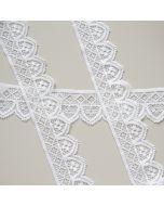 Weiches Spitzenband mit Jungenstil-Musterung - die Spitze ist längselastisch, weich, perfekt für Unterwäsche.