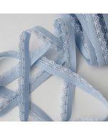 Weiches Gummiband mit Spitzenkante (Spitzengummiband) in hellblau für Unterwäsche und hautenge bekleidung.