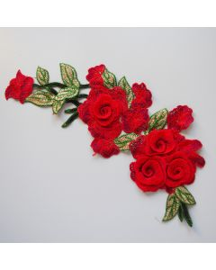 Spitze - Stickerei Applikation in rot-grün mit Rosenmotiven und Blättern für Kleider, Jeans, Taschen oder Deko.