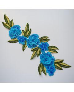 Stickerei - Spitzenapplikation mit Blumenmotiv in türkis um Kleidungsstücke wie Jeans aufzupeppen. Auch auf Kleider oder Taschen sieht sie toll aus.