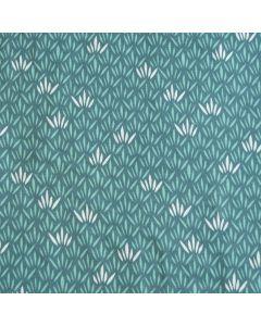 Bielastischer single Jersey Stoff in hellblau mit feinem Blattmuster für Damenbekleidung und Unterwäsche.