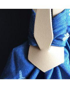 Trageriemen aus Leder für selbst gefalteten Taschen - aus einem Stück Stoff und einem Riemen kann mit einigen Handgriffen eine Tasche gezaubert werden.
