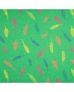 Weicher, bielastischer Jersey Stoff in grün-melange mit buntem Federmuster für Damen- und Kinderkleider oder Unterwäsche.