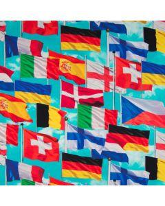 Bielastischer digitaldruck Jersey Stoff in türkis mit diversen Fahnenmuster von europäischen Ländern wie die Schweiz, Deutschland, Finnland, England, Spanien, Belgien.