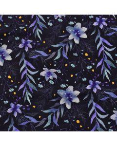 Jersey Stoff in dunkelblau mit Blumenmuster in violett und blau. Die Blumenmotive sind mittelgross, der Stoff ist ideal für Damenbekleidung oder Unterwäsche.