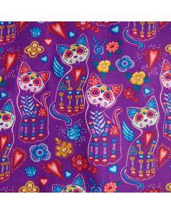 Lässiger, nicht elastischer Stoff aus 100% Baumwolle in violett mit buntem Katzenmuster für Bekleidung und Deko.