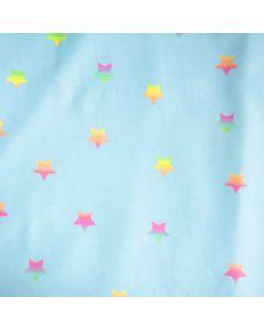 Jersey Stoff in hellblau mit buntem Sternmuster für Kinderbekleidung und Unterwäsche
