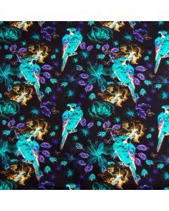 Bielastischer Jersey Stoff in schwarz mit türkisfarbenen Papageimotiven für leichte Damenbekleidung, Unterwäsche und Nachtwäsche.