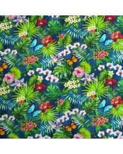 Weicher, jeansblauer Musselin Stoff mit bunten Blumen- und Schmetterlingsmotiven für leichte Baby- und Kinderklamotten für den Sommer.