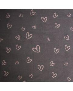 Bielastischer Jersey Stoff in grau mit Herzmuster in rosa für Bekleidung und Unterwäsche.