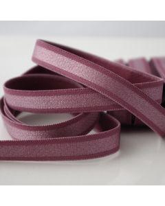Weiches, mittelstarkes Trägergummiband für BH und Bekleidung in der Farbe Plum - 12mm breit. Die Packung enthält 4m Trägergummiband.